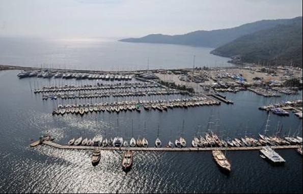 Çeşme İzmir Yat Limanı