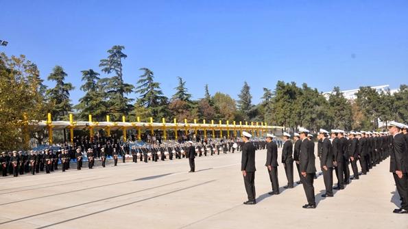 İTÜ Cumhuriyet Bayramı Kutlamaları Saygı duruşu ve İstiklal Marşı söylenirken