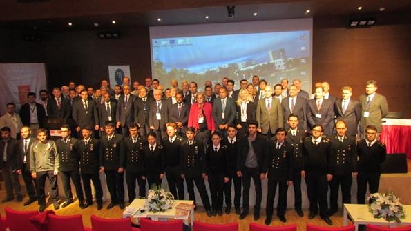 12. Uluslararası Makine Dairesi Simülatörleri Konferansı Toplu Fotoğraf