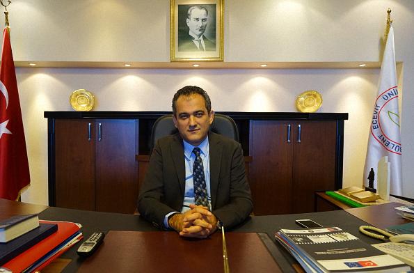 Prof. Dr. Mahmut Özer